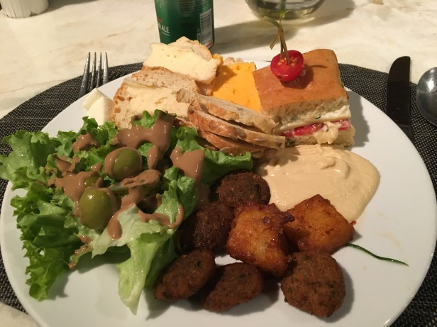 appetizers-at-jw-lounge-delhi